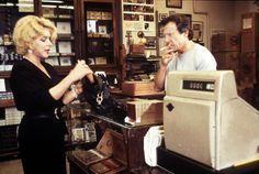 "Harvey Keitel als Trafikant in ""Smoke"", USA 1995, Wayne Wang & Paul Auster #movie #film #work #arbeit"