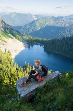 Hiking Guide, Go Hiking, Best Hiking Shoes, Hiking Boots, Hiking Photography, Hiking Fashion, Land Scape, Travel Inspiration, Girl Inspiration