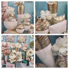 jarrones de ceramica en blanco y dorado. Más en www.virginia-esber.es