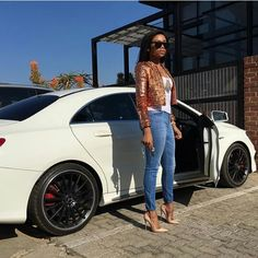 Our local celebrities, as far as we can tell by the fancy wheels behind their garage doors, are die-hard petrolheads. With their fast, beautiful cars that turn heads, these celebrities are always u… Instagram Outfits, Street Style Trends, Denim Fashion, Fashion Outfits, Fashion Trends, High Fashion, Casual Outfits, Cute Outfits, Casual Wear