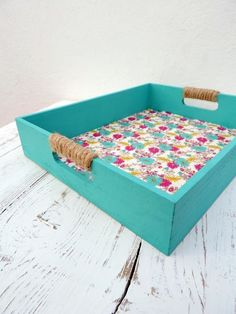 Wooden Art, Wooden Crafts, Rope Crafts, Diy And Crafts, Tea Tray, Tray Decor, Creative Home, Decorative Boxes, Projects To Try