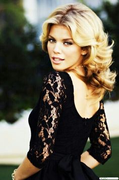"""Naomi clark"" - 90210  AnnaLynn McCord"