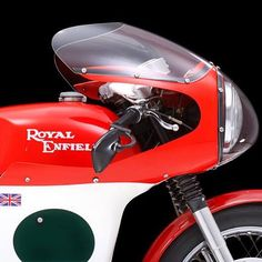 This 1967 royal enfield continental GT sporting the classic Avon 'Speedflow' fairing is one fine specimen. Vintage Cafe Racer, Vintage Racing, British Motorcycles, Custom Motorcycles, Scrambler Custom, Motorcycle Photography, Hot Bikes, Classic Bikes, Royal Enfield