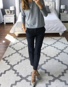 25 Sophisticated Work Attire and Office Outfits for Women to Look Stylish and Ch. - Work Outfits Women - - 25 Sophisticated Work Attire and Office Outfits for Women to Look Stylish and Ch… Source by Classy Work Outfits, Winter Outfits For Work, Work Casual, Casual Office Wear, Casual Wear, Winter Work Clothes, Casual Dinner, Winter Work Fashion, Stylish Outfits