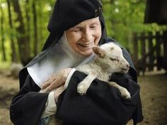 Nun who kissed Elvis helps answer abbey's prayers - Home - The Daily Progress