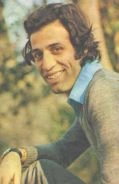 İnsanları güldürmek için, acılarına da ağlayabilmek gerek. -- Kemal Sunal
