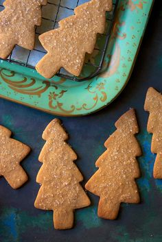 Light Spice Holiday Cookies.  Want to make sugar cookies or gingerbread? These golden cookies combine the spicy taste of gingerbread without its dark color and assertive flavor. Just a hint of molasses gives them beautiful color and a mild, pleasing taste.
