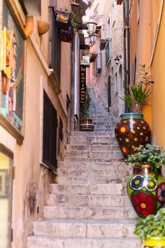 The narrow, windy, uphill streets of Taormina, Italy