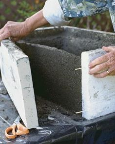 Make a Hypertufa Trough - FineGardening - Diy Molded concrete containers can be made in nearly any shape and size you want Concrete Molds, Concrete Crafts, Concrete Projects, Concrete Garden, Garden Crafts, Garden Projects, Garden Art, Concrete Planters, Diy Planters