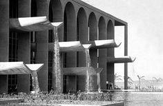Ministry of Justice, Brasilia Brazil   Oscar Niemeyer   Photo : Michel Moch