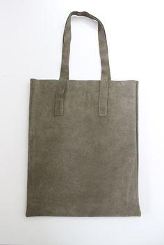 leather bag  Frau Thekla Minimal Style, Minimal Fashion, Leather Bag, Tote Bag, Bags, Handbags, Carry Bag, Tote Bags, Totes