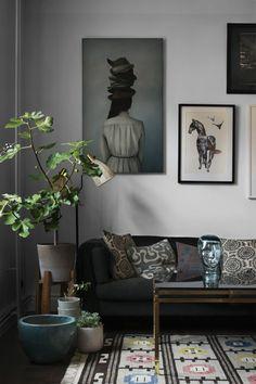Fonte: Daniella Witte / Elle Decoration SEA paleta bonita calmante para uma segunda-feira agitada e longa.  Isso é uma árvore bastante impressionante fig folha fiddle também.