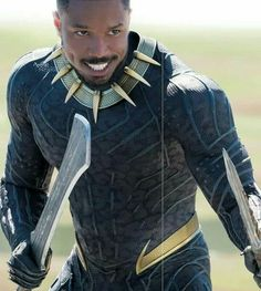 Black Panther makes his debut in the Marvel Cinematic Universe without a cape in the 2017 movie Captain America: Civil War. This reimagining of the Black Panther costume creates a modern feel cohesive with other Marvel movie stars. Black Love, Black Is Beautiful, Black Men, Black Guys, Black Panther 2018, Black Panther Marvel, Spiderman Cosplay, Marvel Cosplay, Marvel Dc