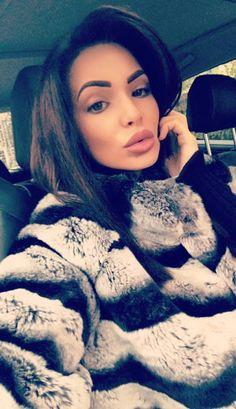 Chinchilla Fur Coat, Fur Coats, Mink Fur, Fur Fashion, Furs, Sexy Women, Beautiful Women, Selfie, Lady