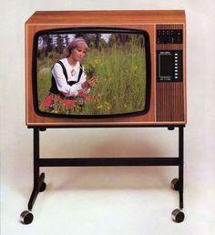 Salora 1976 meillä toisi olla juuri tämä tv.