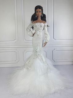 You will recieve : + 1 Mermaid gown + 1 pair random earrings Doll, shoes and other accessories are NOT INCLUDED Please choose from Body Size Options Thank you for watching. Barbie Bridal, Barbie Wedding Dress, Barbie Gowns, Doll Clothes Barbie, Barbie Dress, Bridal Dresses, Barbies Dolls, Wedding Bride, Wedding Gowns