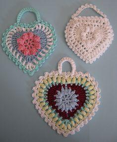 Padrão livre em Ravelry: Coração da avó. / Free pattern on Ravelry: Grandma's heart.