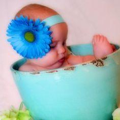 Babies and flowers!! #cute babies #kids Get a free $150 visa http://www.freeredirector.com/
