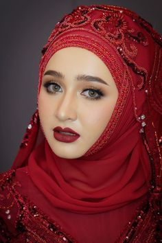 Beautiful Muslim Women, Beautiful Hijab, Beautiful Black Women, Hijab Gown, Hijab Niqab, Muslim Fashion, Hijab Fashion, Iranian Beauty, Muslimah Wedding