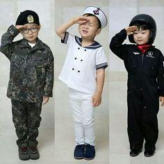 Song Il Gook, Triplet Babies, Superman Kids, Man Se, Song Triplets, Korean Entertainment, Cute Songs, My Boys, Cute Kids