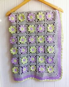 Adorable crochet baby blanket patterns for babies 2019 - Women's Fashion! Baby Afghan Crochet, Afghan Crochet Patterns, Crochet Motif, Knitting Patterns, Crochet Flowers, Free Crochet, Baby Knitting, Crochet Projects, Blog