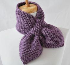 2014 Knitting & Crochet Ideas - Knitting Pattern Keyhole Scarf The Original Pull Knitting Stitches, Knitting Patterns Free, Free Knitting, Crochet Patterns, Scarf Patterns, Crochet Ideas, Diy Crafts Knitting, Knitting Projects, Moss Stitch