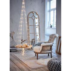 Sternenregen de luxe! Die strahlende Lichterkette  ist ein romantischer wie stimmungsvoller Blickfang für die Weihnachtszeit, der sowohl drinnen als auch draußen extrem fasziniert.