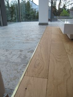 Parquet flooring oak transition to stone Your bedroom flooring is definitely important. Wood Parquet, Parquet Flooring, Stone Flooring, Wooden Flooring, Living Room Flooring, Bedroom Flooring, Kitchen Flooring, Floor Design, House Design