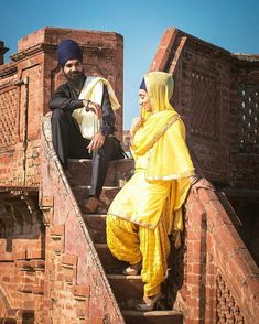 Nav jivan Sikh Wedding, Punjabi Wedding, Pre Wedding Photoshoot, Wedding Shoot, Punjabi Couple, Patiala Salwar, Romantic Couples, Beautiful Couple, Couple Shoot