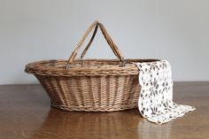 Vintage Wicker Picnic Basket Farmhouse by Jerseyfreshvintage, $25.00