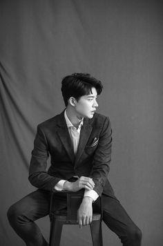 Korean Photoshoot, Men Photoshoot, Pre Wedding Photoshoot, Korean Wedding Photography, Wedding Couple Poses Photography, Wedding Portraits, Studio Photography Poses, Photography Challenge, Groom Poses