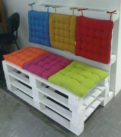 Pallet bench with back and all chair cushions
