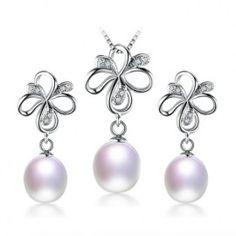 set bijuterii argint cu perle http://www.bijuteriifrumoase.ro/cumpara/cercei-colier-si-pandant-cu-perle-3594