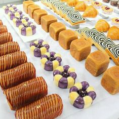 Candy Drinks, Bread Art, Bread And Pastries, Geronimo, Croissants, Mini Cupcakes, Verona, Buffet, Sweet Tooth