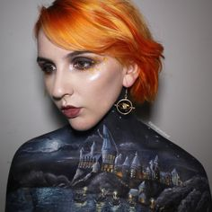 Hogwarts Harry Potter. Fantasy and Movie Makeup Drawings on her own body, come see the video. By Georgina Ryland.
