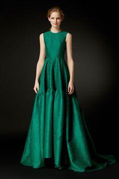 Green by carolina herrera Diy Dress, Dress Up, Gala Dresses, Formal Dresses, Carolina Herrera Dresses, Cute White Dress, Taffeta Dress, Green Fashion, Beautiful Gowns