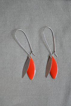 Boucles d'oreilles flashy avec sequin orange : Boucles d'oreille par libelula-crea