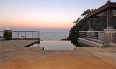 Absolute luxury for the eye. @Theunissen Jankowitz Architects have nailed this beautiful sunset view in Ballito!