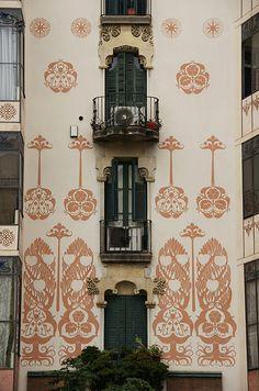Art nouveau, C/ Valencia, Barcelona Catalonia Barcelona City, Barcelona Catalonia, Architecture Details, Architecture Art, Art Nouveau Arquitectura, Fresco, Amazing Buildings, Modern Buildings, Antoni Gaudi