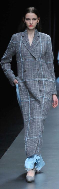 Hanae Mori Designed by Yu Amatsu Fall 2015 Tokyo Plaid Dress, Coat Dress, Winter Fashion 2015, Tokyo Fashion, 50 Shades Of Grey, Fall 2015, Couture Fashion, Business Women, Street Style