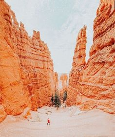 Travel Aesthetic, Aesthetic Photo, Aesthetic Pictures, Vsco, Magic Places, Orange Aesthetic, Summer Aesthetic, Photo Wall Collage, Adventure Is Out There