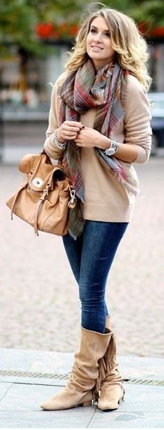 Stylish Street Style: Chic Autumn Outfit Inspirations [PHOTOS] - Women's Wear - Autumn Outfit - Tips & Tricks - Fashion News - Tips - Street Style Plaid Fashion, Fashion Moda, Look Fashion, Fashion Outfits, Fashion Trends, Fashion Ideas, Fashion Boots, Trendy Fashion, Mens Fashion