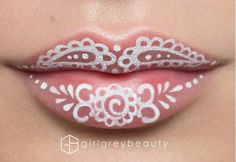 Makyaj sanatçısından inanılmaz dudak makyajı