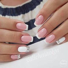 False nails have the advantage of offering a manicure worthy of the most advanced backstage and to hold longer than a simple nail polish. The problem is how to remove them without damaging your nails. Marriage is one of the… Continue Reading → Pretty Nail Designs, Pretty Nail Art, Nail Art Designs, Nails Design, Bridal Nails, Wedding Nails, Wedding Art, Green Wedding, Hair And Nails