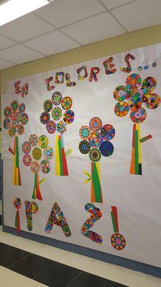"CEIP ""Sofía Tartilán"". Mural de la paz de los niños de infantil. Classroom Decor, Origami, Religion, Arts And Crafts, Peace, Day, Murals, Infant Crafts, Crafts For Kids"
