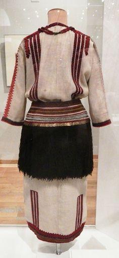Тканая рубаха подпоясанная кожаным ремнем купить женский ремень hermes