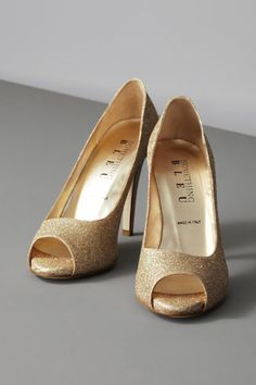 hmmm not quite as cute....but still gold and sparkly!! Moonlit Peep-Toes