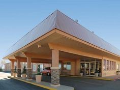 Sierra Vista (AZ) Quality Inn United States, North America Set in a prime location of Sierra Vista (AZ), Quality Inn puts everything the city has to offer just outside your doorstep. Offering a variety of facilities and services, the hotel provides all you need for a good night's sleep. Wi-Fi in public areas, car park, pets allowed are on the list of things guests can enjoy. Guestrooms are fitted with all the amenities you need for a good night's sleep. In some of the rooms, g...