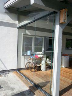 glasschiebewand f r poolhaus in 2018 balkonverglasung terrassenverglasung pinterest. Black Bedroom Furniture Sets. Home Design Ideas