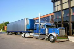 Custom Western Star Conventional with a Matching Reefer, Chicken Lights and Chrome